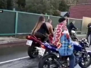 В Чувашии пара мотоциклистов сбила зрительницу и погибла
