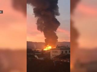 На химзаводе под Барселоной произошел крупный пожар