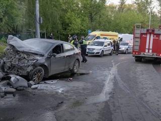 Страшное ДТП в Москве: из-за чего полицейские врезались в мост?