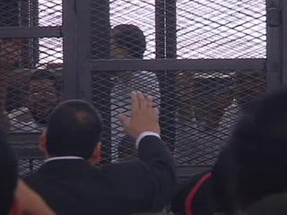 """К двум смертным приговорам лидеру """"Братьев-мусульман"""" добавили пожизненное"""