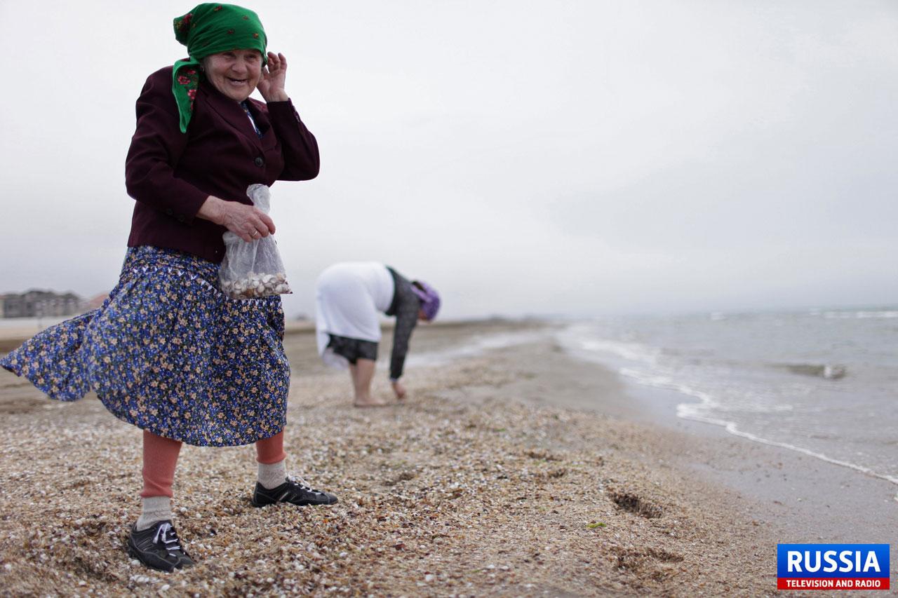 Фото бабушки на пляже 18 фотография